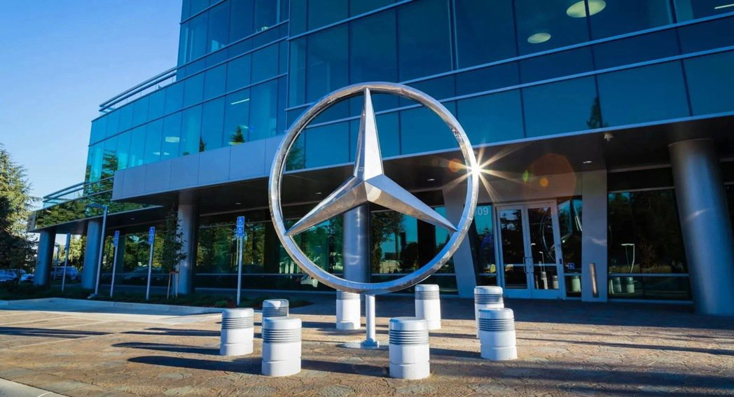 Mercedes往後將會減少這種獨立平台的情況,未來只會出現用共同平台打造的車款...