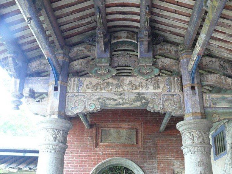 瑞成堂構法、式樣、彩繪等裝飾具台灣傳統、日治及西洋多元要素融合,具歷史、文化、藝術之價值。 圖/取自台中市文化資產處