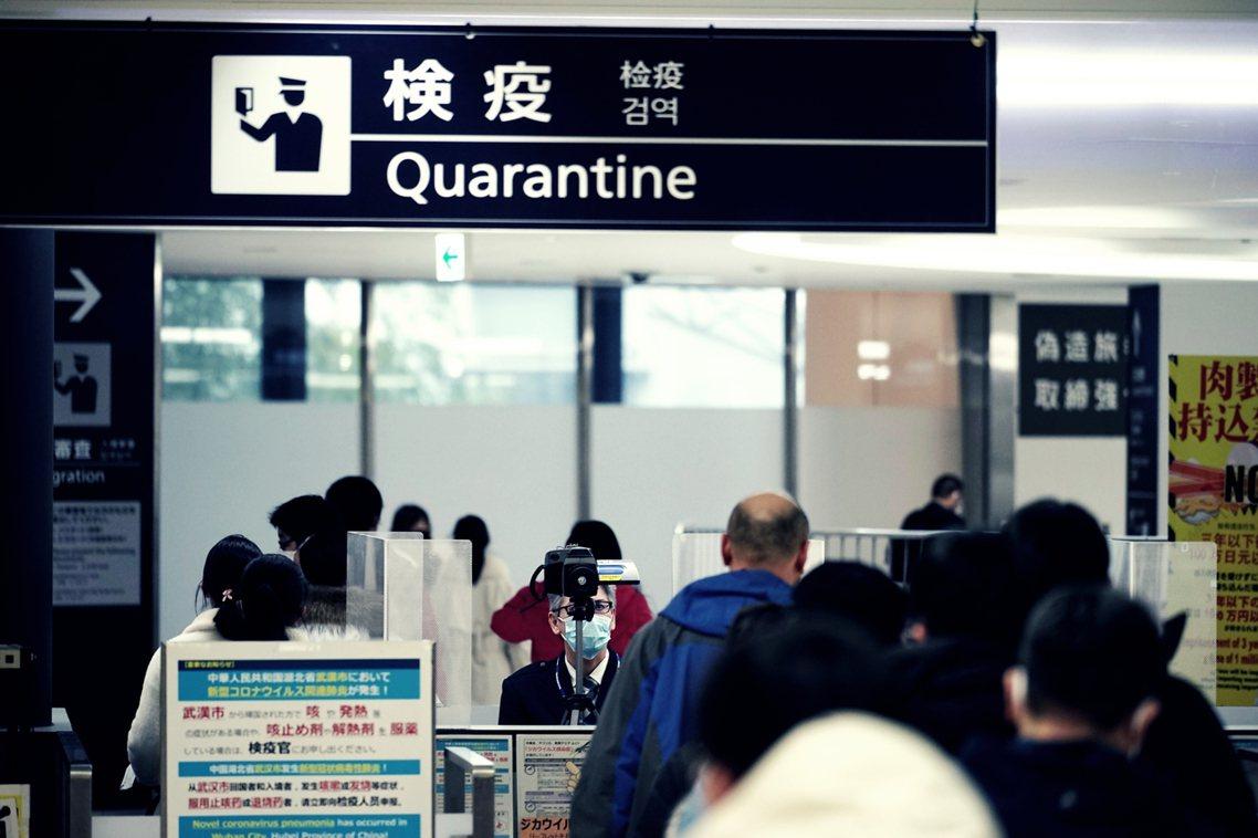 在菅義偉宣布「習近平以後再來」前,《讀賣新聞》也於5日中午發出「獨家新聞」,政府...