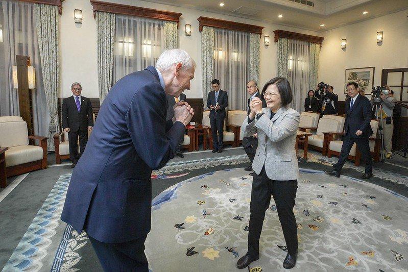 3月5日,蔡英文總統接見美國在台協會(AIT)主席莫健(James F. Mor...