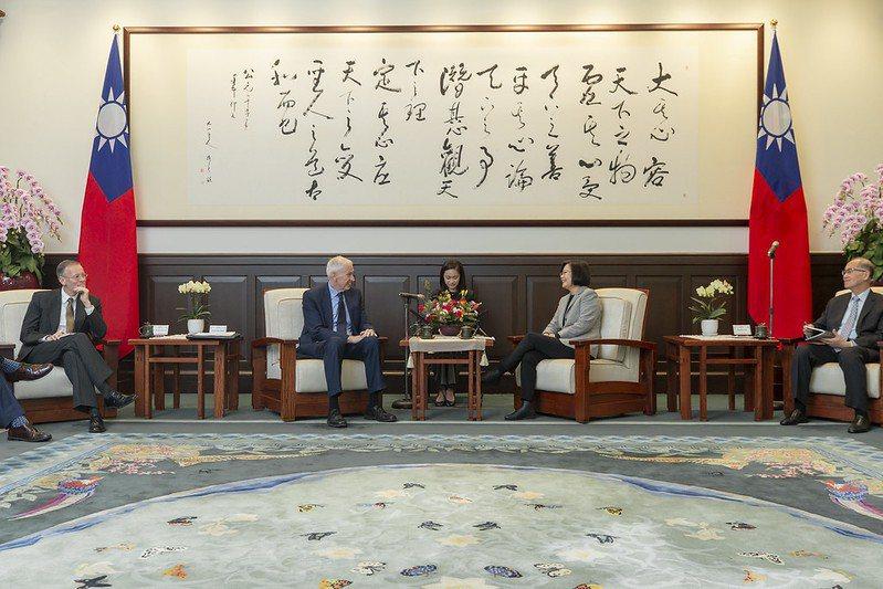 蔡英文總統接見莫健,第一時間感謝美國具體支持。 圖/取自總統府flickr