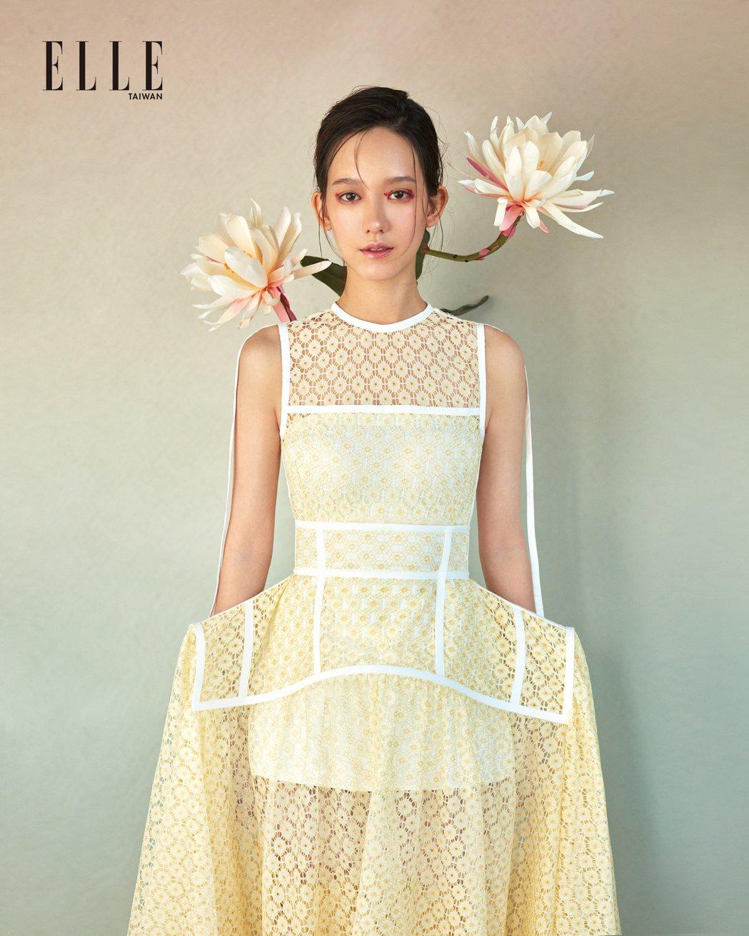 孟耿如成為新嫁娘,卻對穿婚紗很無感。圖/ELLE提供