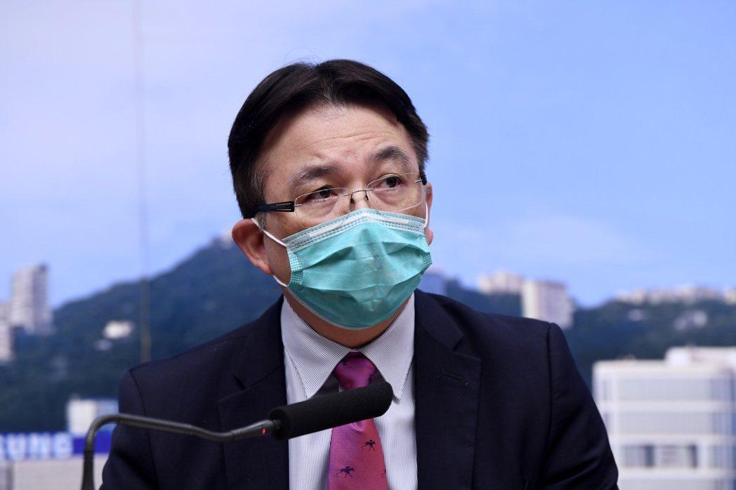 3月5日下午,香港漁護署助理署長薛漢宗指出,香港一名新冠肺炎確診患者的狗隻,口腔...