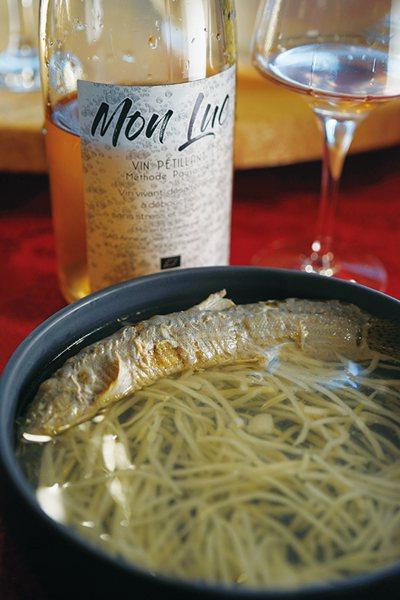 毫無意外,黃婉玲老師的每一道菜無論濃淡或繁簡,法國J.F. Ganevat 酒莊...
