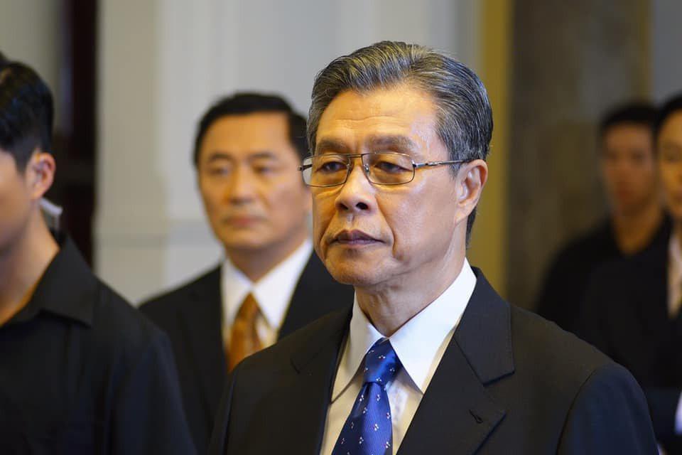《國際橋牌社》的角色黎清波,是劇情中「中國國家黨」首位台灣省籍的總統。 圖/取自《國際橋牌社》粉絲專頁