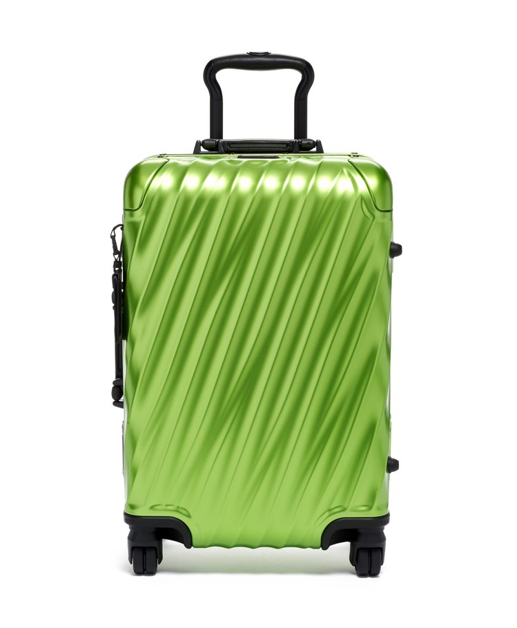 19Degree 鋁合金螢光綠20吋行李箱39,800元。圖/TUMI提供