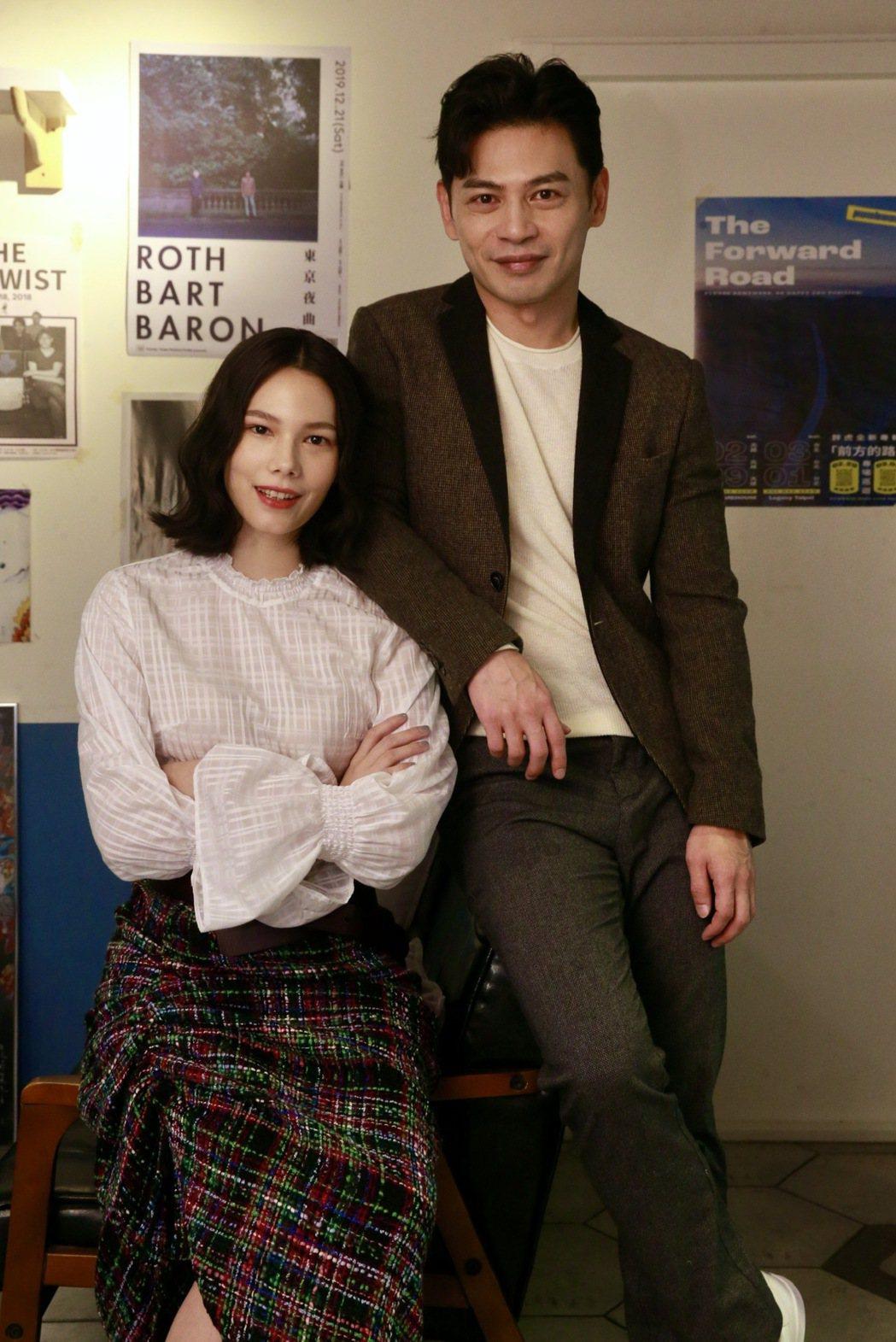 阿KEN、紀培慧在「練愛iNG」飾演一對情侶,坦言都有極為慘痛的失戀經驗。記者黃...