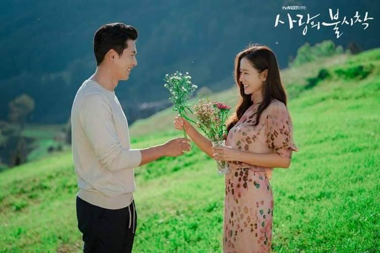 韓劇「愛的迫降」中,雪絨花是玄彬與孫藝真的定情花。圖/摘自IG
