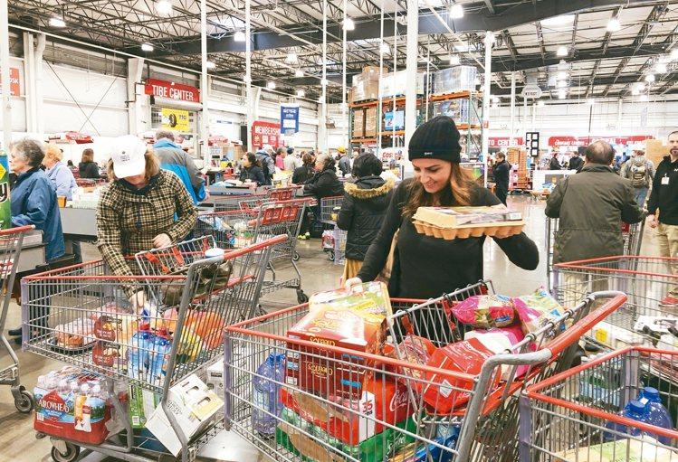 許多網友喜歡到好市多購物。 美聯社