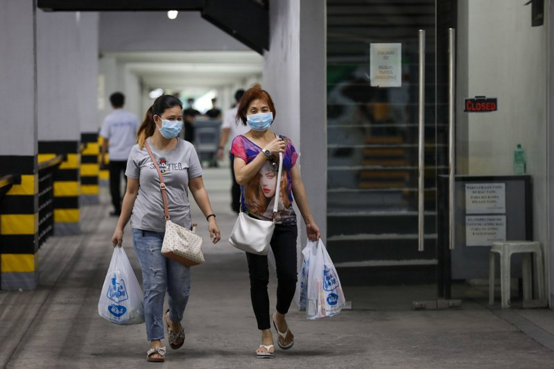 菲律賓衛生部長杜克今天表示,菲國第5例新冠肺炎確診病患的妻子也確診感染,使確診病例增至6例。 歐新社