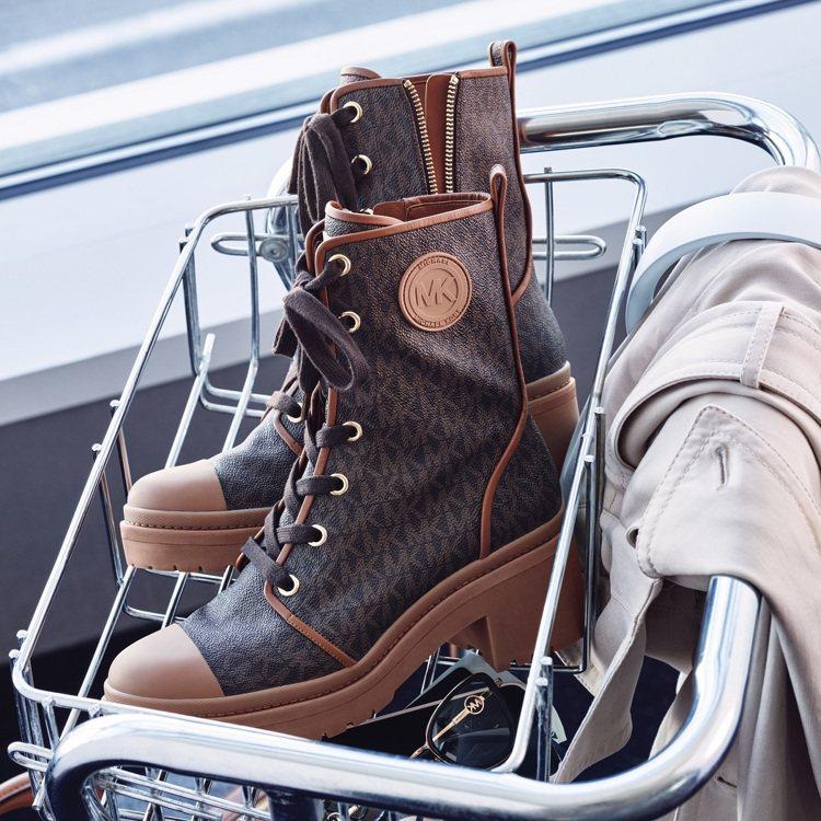 MICHAEL Michael Kors2020春季的焦點鞋履為短靴。圖/MIC...