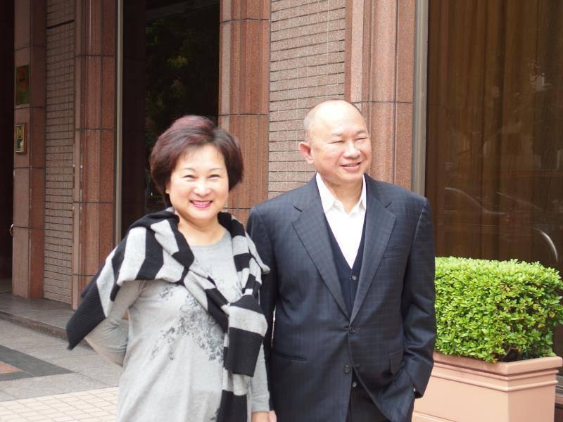 吳宇森、牛春龍於5日低調在美國洛杉磯家中祝賀44週年結婚紀念日。圖/倪有純提供