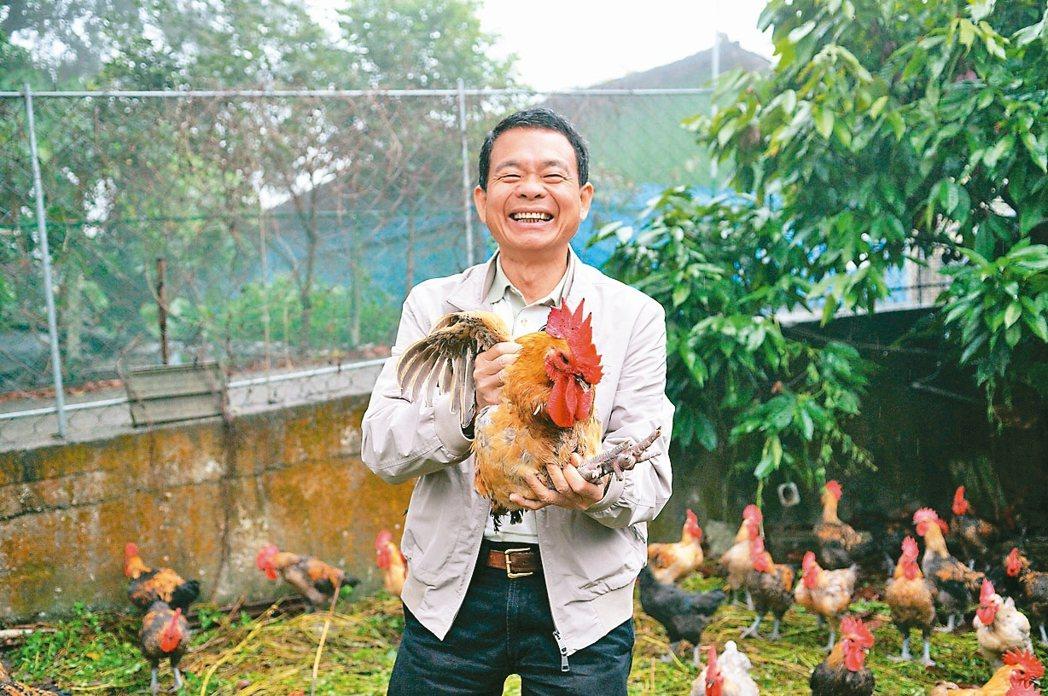 天和鮮物董事長劉天和與海藻雞 天和鮮物/提供