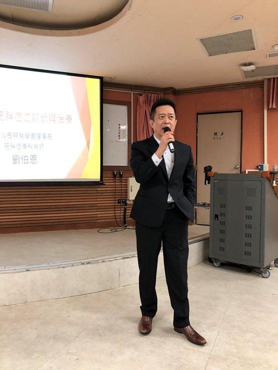 大樹連鎖藥局總經理鄭明龍。 台灣長照醫學會/提供