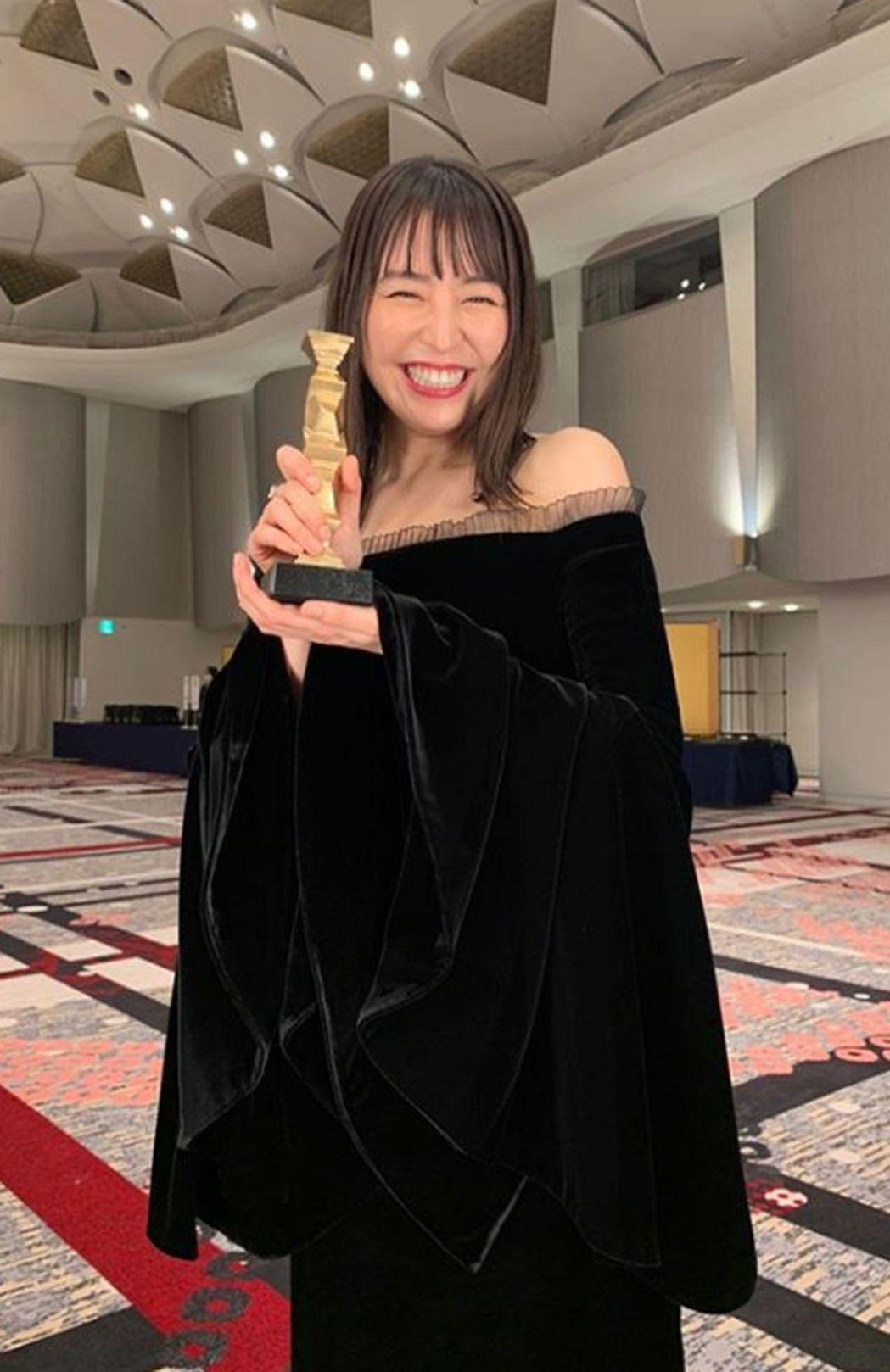 長澤雅美分享近照,被說「女神崩壞」。 圖/取自IG
