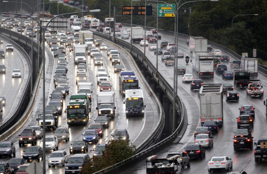 西雅圖上班日的交通相當堵塞。 摘自The Seattle Times