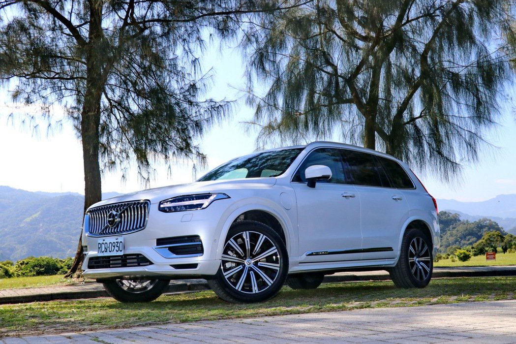 VOLVO XC90 T8 Inscription。 記者陳威任/攝影