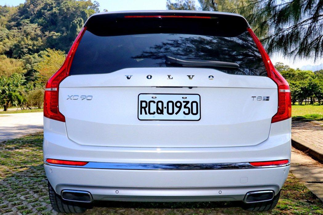 車尾設計維持與小改款前大致的樣貌。 記者陳威任/攝影