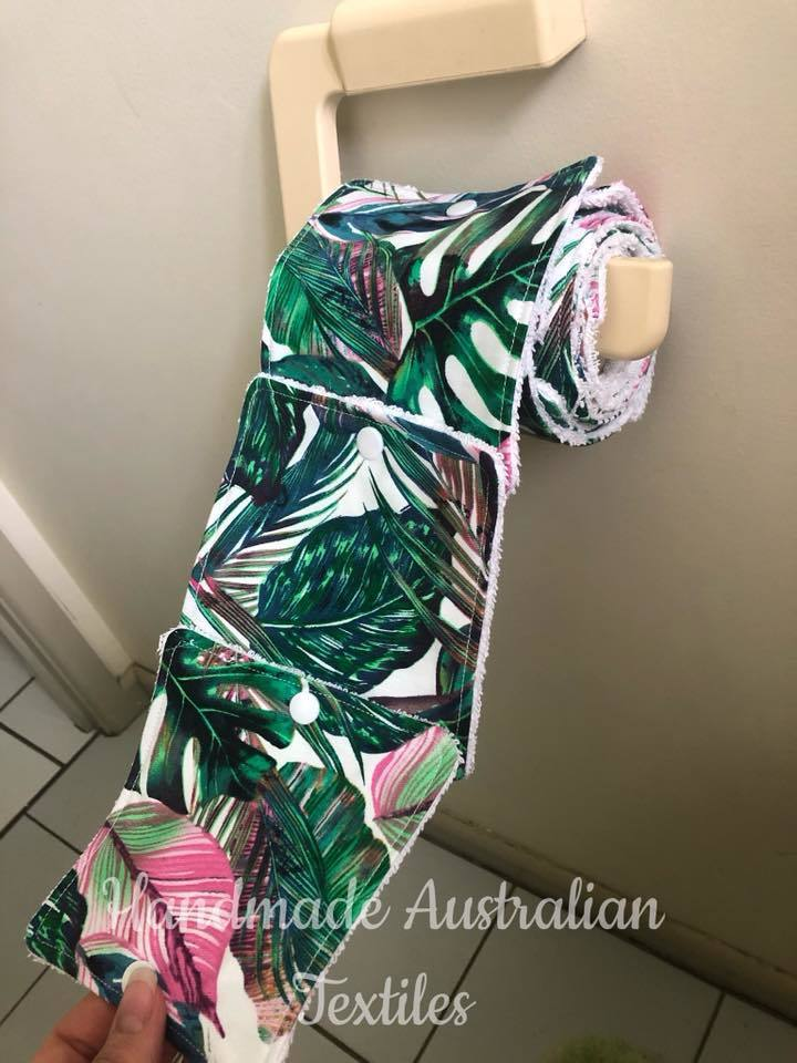 澳洲有女子販賣手工製廁所捲筒紙,引來網友質疑。圖擷自Facebook