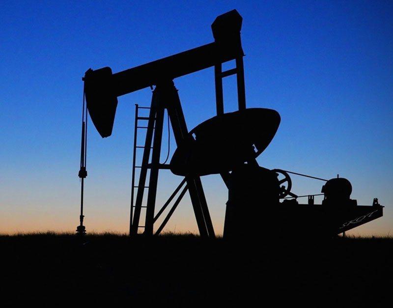 2018年美國首度超越俄羅斯和沙烏地阿拉伯成全球最大產油國,圖為示意圖。 圖/Pixabay