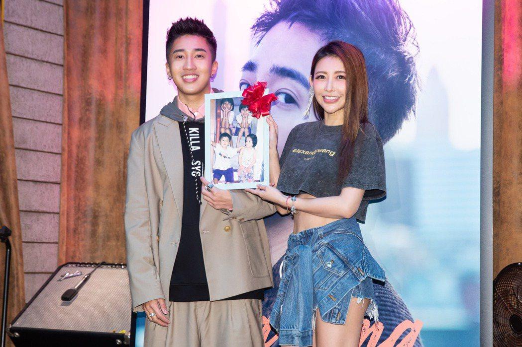 婁峻碩(左)、愷樂因家人關係相識多年。記者季相儒/攝影
