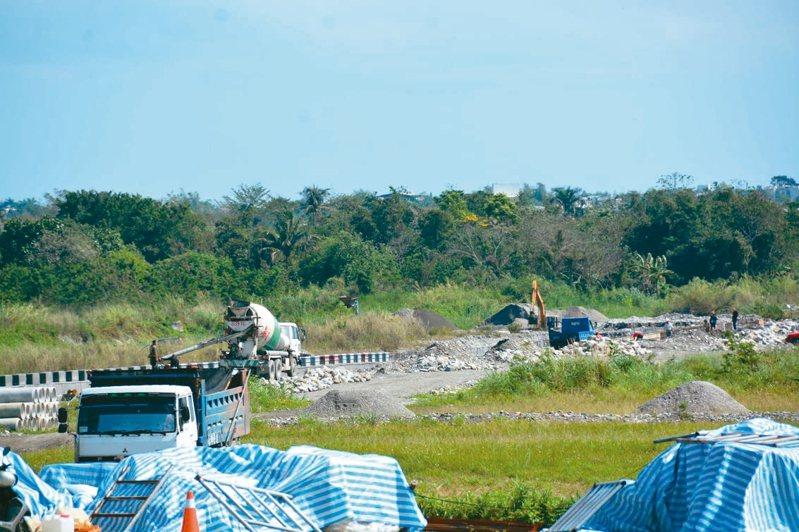 花蓮縣府爭取1.3億元改善美崙溪6.5公里,預計7月底完工。記者王思慧/攝影