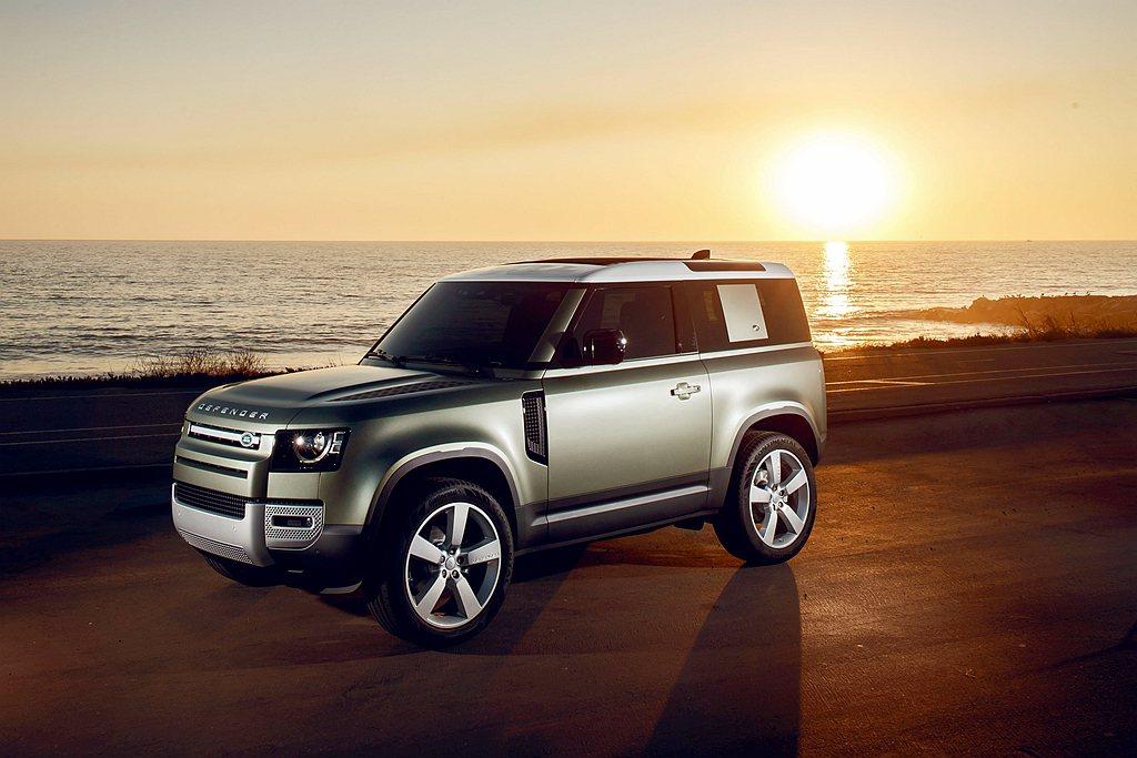 繼長軸車型銷售告捷後,Land Rover宣布Defender 90短軸車型開始...