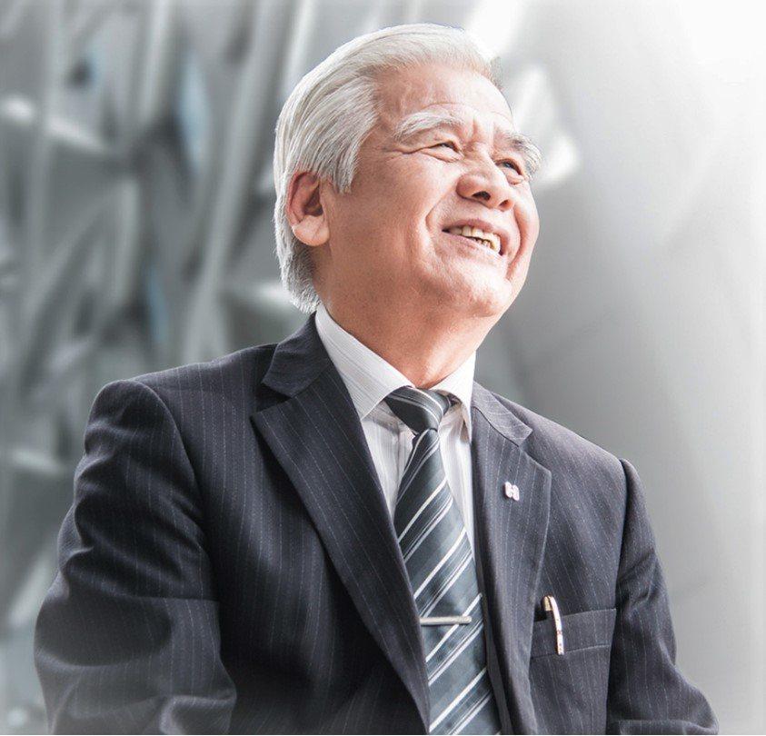 長虹建設董事長李文造說,用打造自己住家的心、成就長虹毎一建案。圖/長虹建設提供