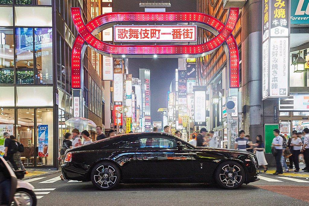 此攝影展是勞斯萊斯汽車在大中華地區的首個雲端藝術展,首次整體展現Black Ba...
