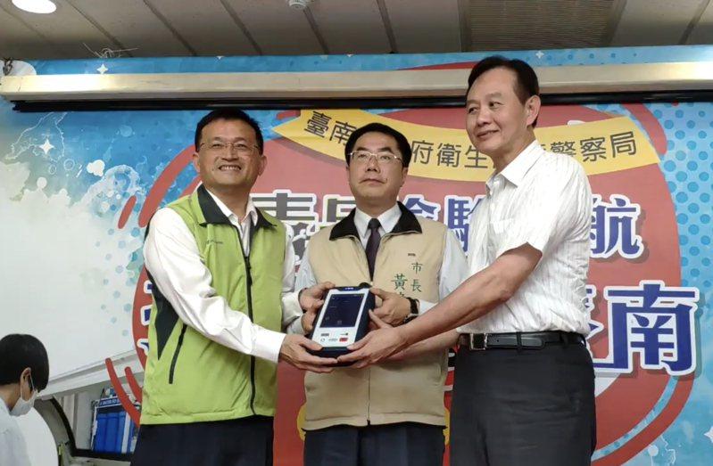 台南市衛生局局長陳怡上周下班途中發生車禍(圖左)。圖/本報資料照片