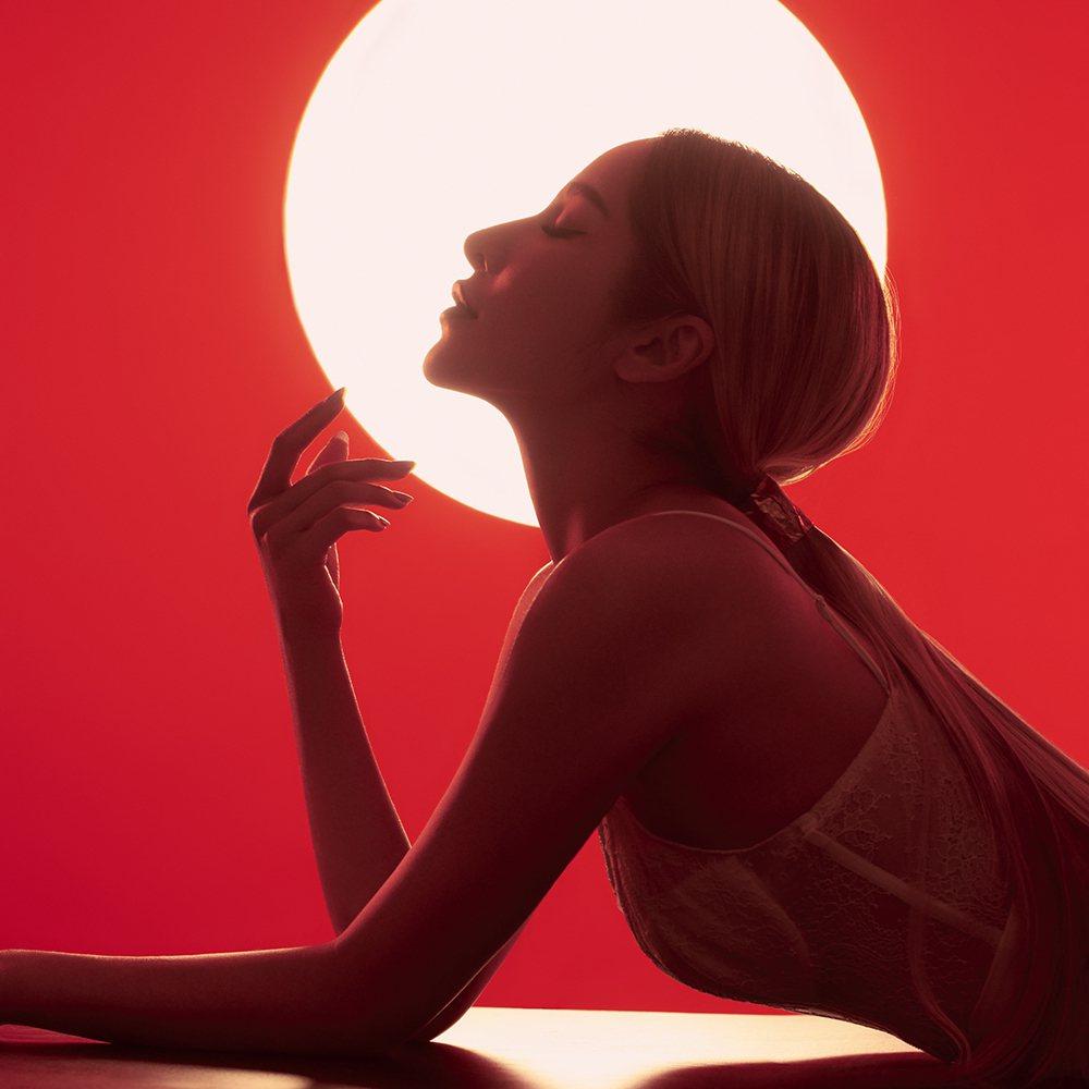 蕭亞軒把新歌「不如先慶祝能在一起」當成送給已逝母親的禮物。圖/軒亞娛樂提供