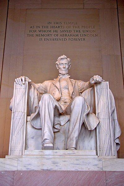 華盛頓的林肯紀念堂,紀念南北戰爭的林肯總統解放黑奴,維持國家團結的功績。(法新社)