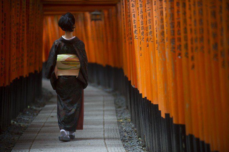 受到新冠肺炎疫情延燒影響觀光客銳減,讓日本京都飯店經營陷入困境。美聯社