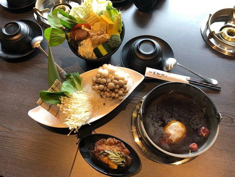 一葉知秋汕頭極緻鍋物也有素食者的西瓜綿及藥膳素食火鍋。 蔣佳璘/攝影