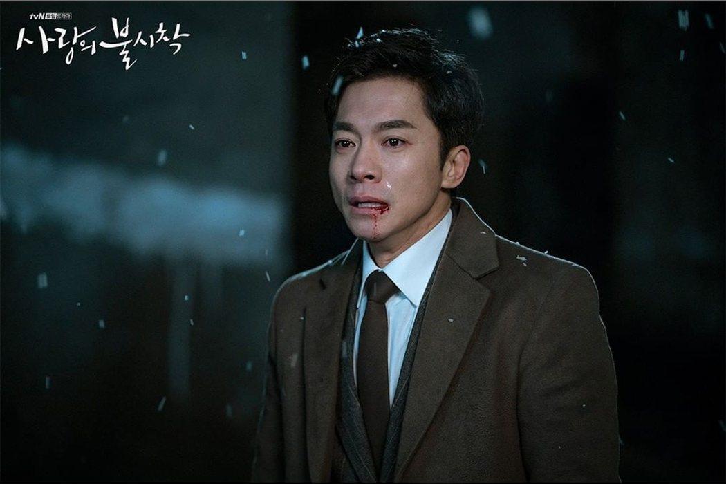 劇中擔任竊聽員「鄭萬福」(金永敏飾演)。圖/擷自instagram。
