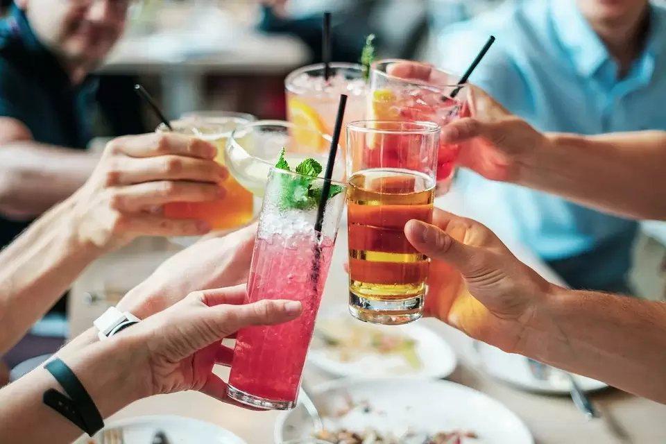 若一直無意識地吃點心喝飲料,效果大打折扣 圖/pixabay