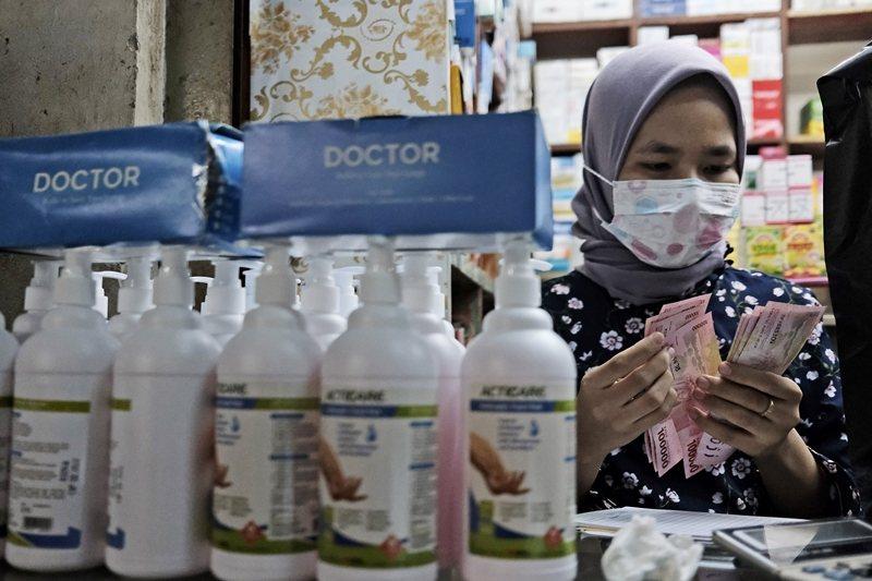 站在印尼官方立場,遵守WHO規範視爲是防疫的重要一環。圖攝於3月4日,印尼。 圖/美聯社