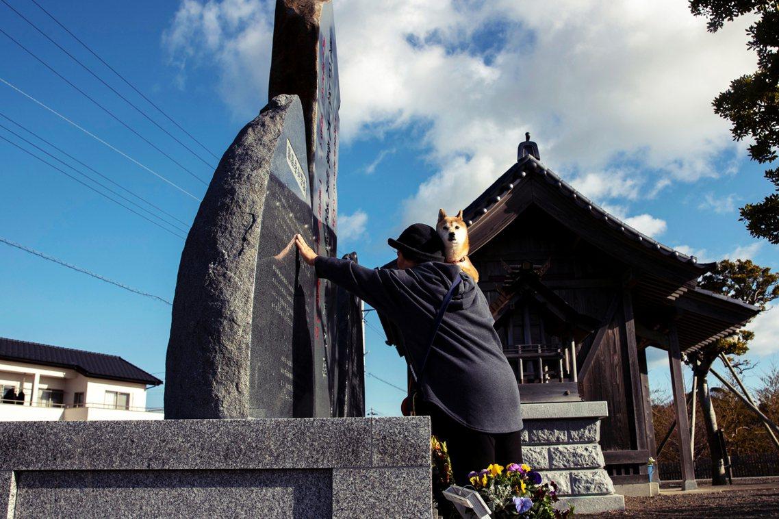 2020年,位於福島磐城市的震災紀念碑。 圖/路透社