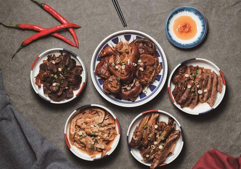 營造符合台灣人味蕾的餐酒館,「肉大人・肉舖火鍋」將常見的麻辣燙再升級。同時研發多種湯頭,可分別搭配不同肉品與酒款。 圖/肉大人·肉舖火鍋提供