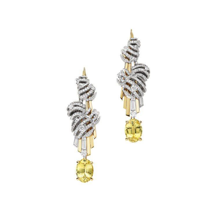 劉亦菲配戴CHAUMET Nuages d'Or18K白金和18K黃金鑽石耳環,...