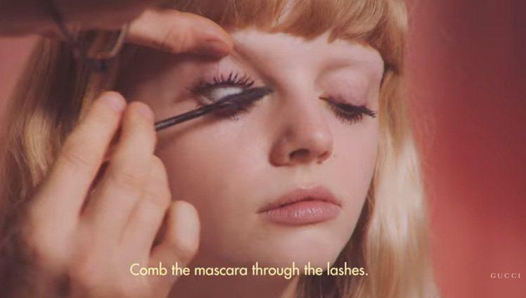 大膽另類的結塊睫毛眼妝。圖/摘自GUCCI Youtube