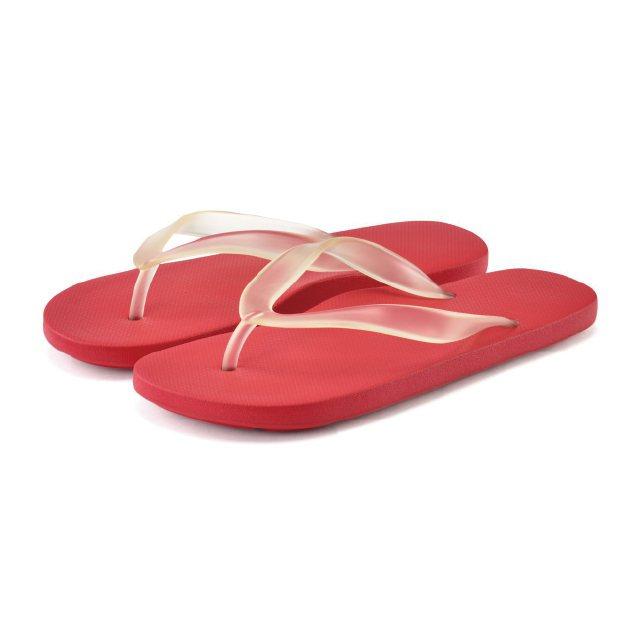 足感舒適海灘夾腳拖鞋價值250元,特價79元。圖/新光三越提供