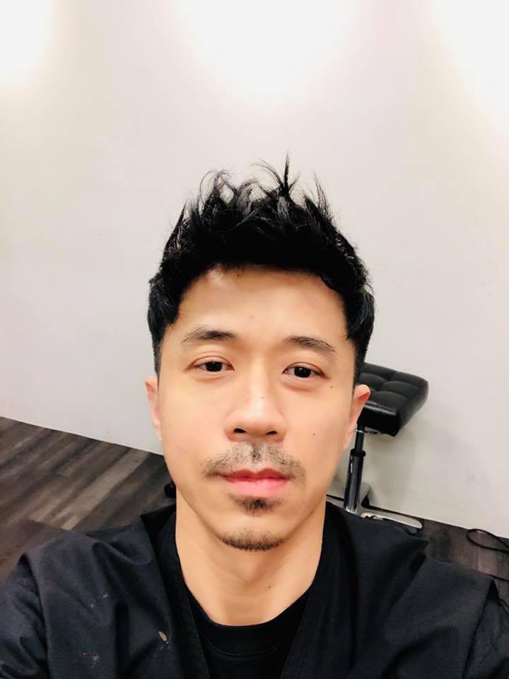 光良減清爽短髮,但近期突然蓄鬍,讓粉絲擔心他的心情。圖/摘自臉書