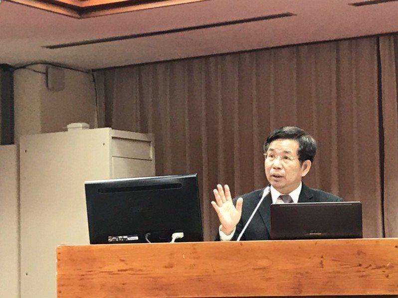 教育部長潘文忠今天在立法院報告業務,並備質詢。記者潘乃欣/攝影