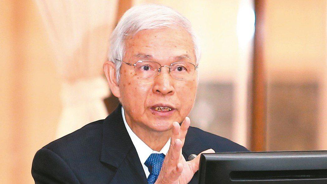 央行是否降息,總裁楊金龍上午在立院表示「會在下周理監事會議決定」。 記者林澔一/...