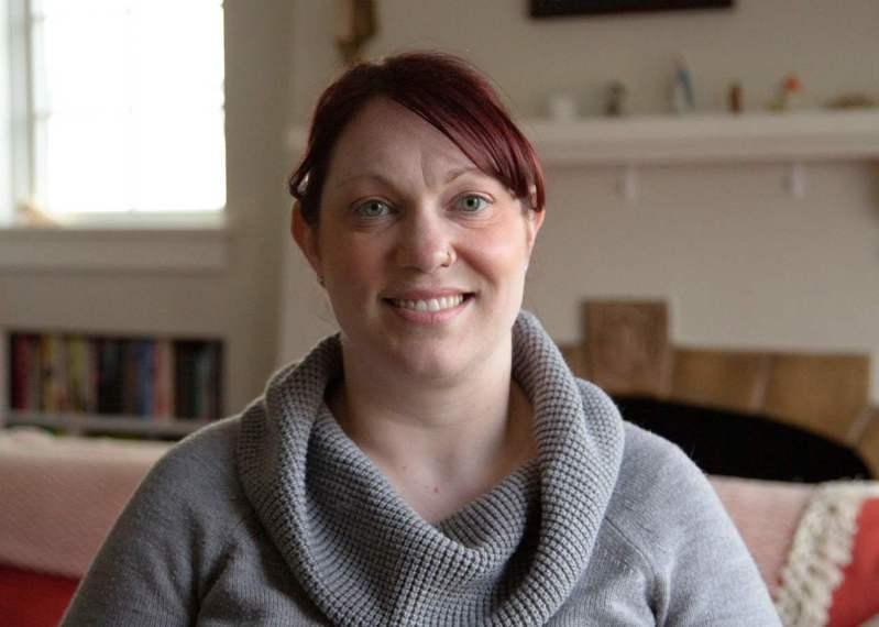 37歲的美國女性施奈德(Elizabeth Schneider)感染新冠肺炎痊癒後向憂心疫情的人分享心得。 法新社