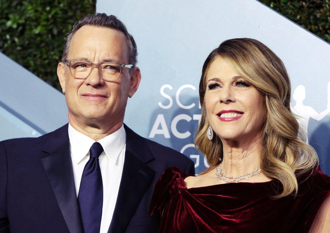 現年63歲的好萊塢影星湯姆漢克斯,目前正偕同妻子麗塔(右)在澳洲進行電影拍攝工作...