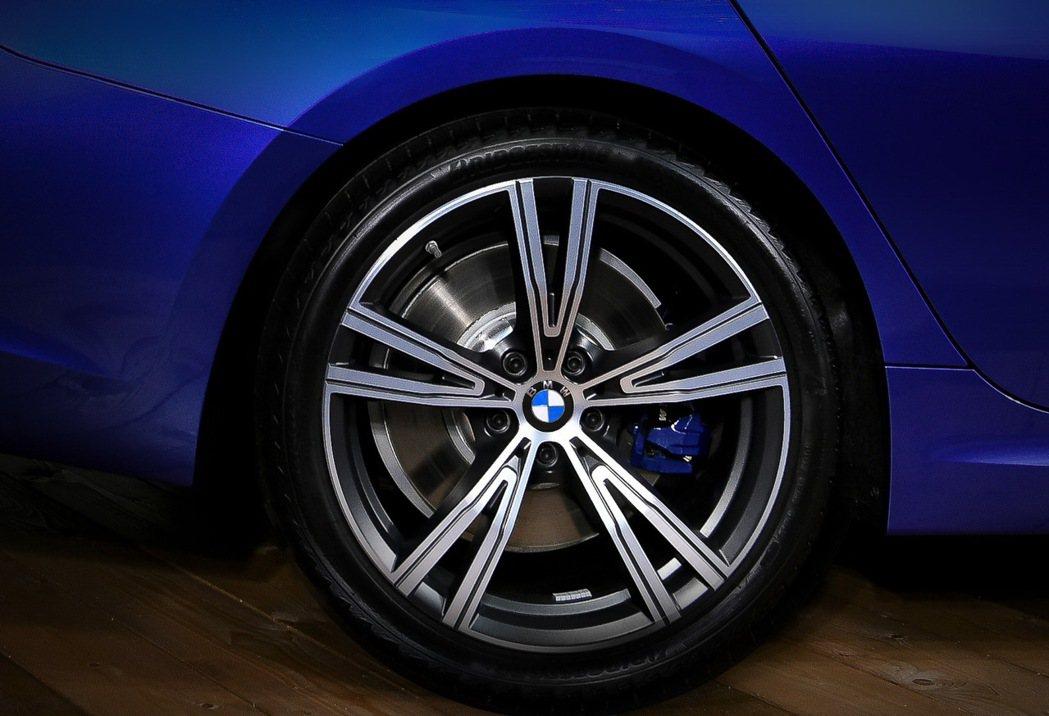 正2020年式BMW 330i M Sport升級19吋BMW Individu...