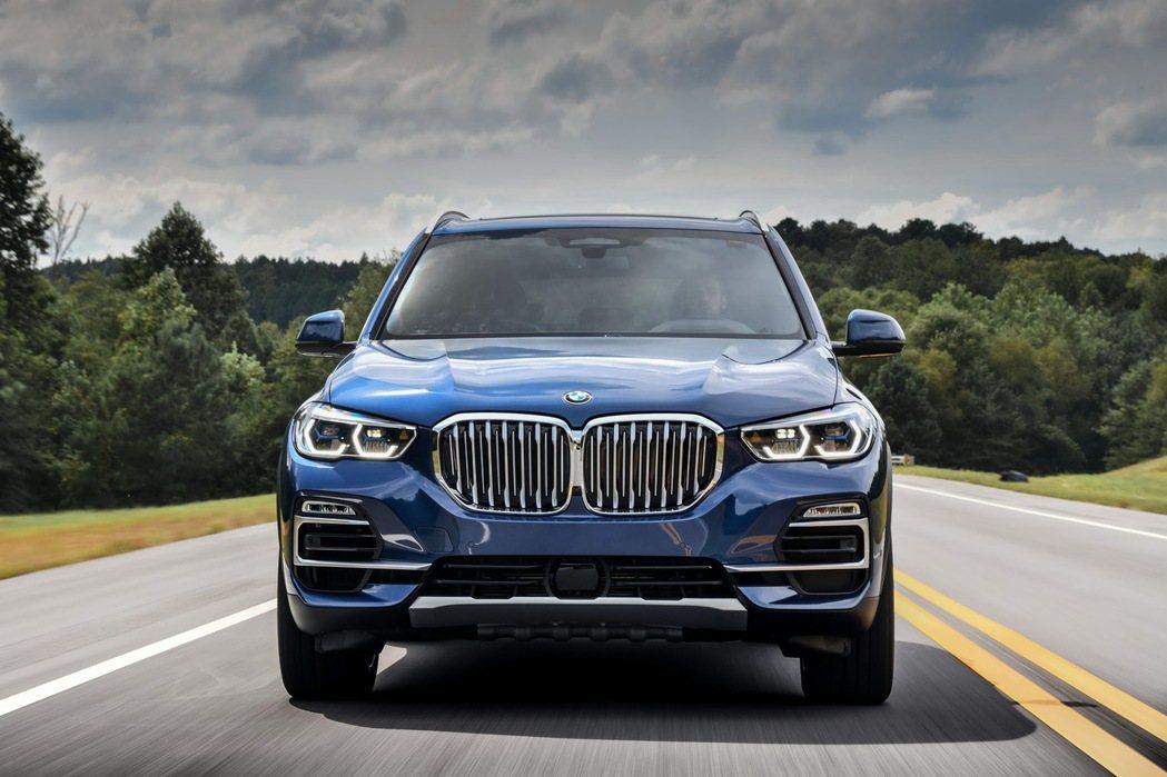 全新世代BMW X5榮獲多項知名汽車大獎,在在證明其於豪華運動休旅車級距的領先地...