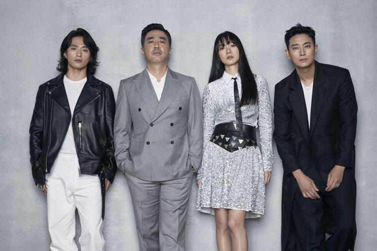 「李屍朝鮮」第二季將於13日上線,左起為金聖圭、柳承龍、裴斗娜和朱智勛。圖/Ne...